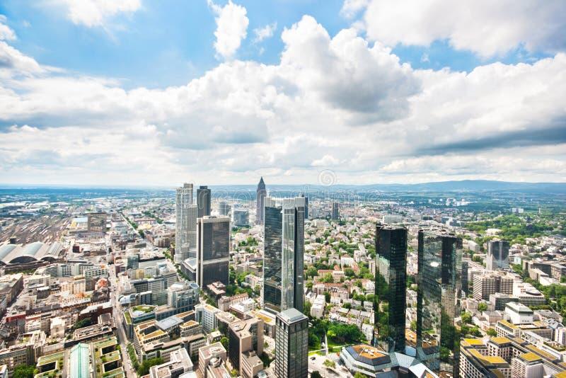 Panoramautsikt av Frankfurt - f.m. - strömförsörjning, Tyskland arkivfoto