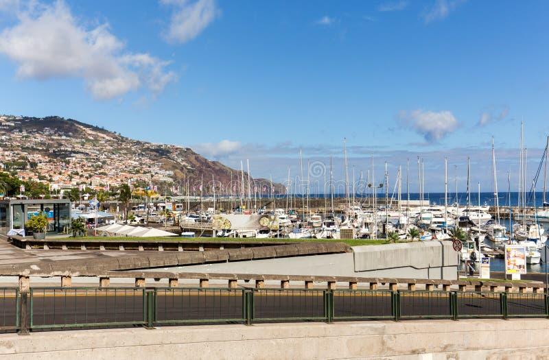 Panoramautsikt av Funchal på madeiraön arkivfoton