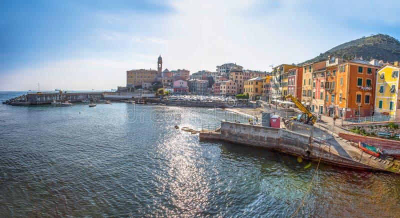 Panoramautsikt av Genoa Genova Nervi, Ligurian kust, medelhav, Italien royaltyfri bild