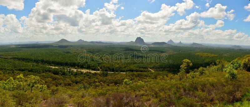 Panoramautsikt av glashusberg i Queensland, Australien royaltyfria foton