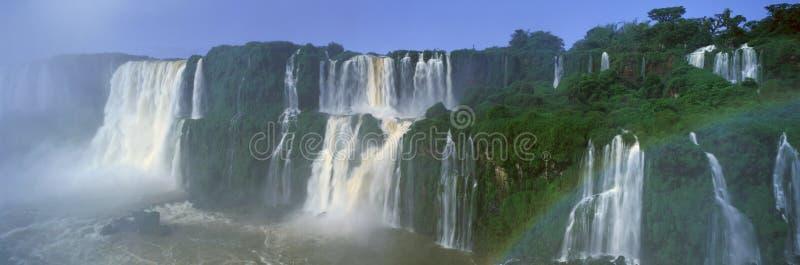 Panoramautsikt av Iguazu vattenfall i Parque Nacional Iguazu, Salto Floriano, Brasilien fotografering för bildbyråer
