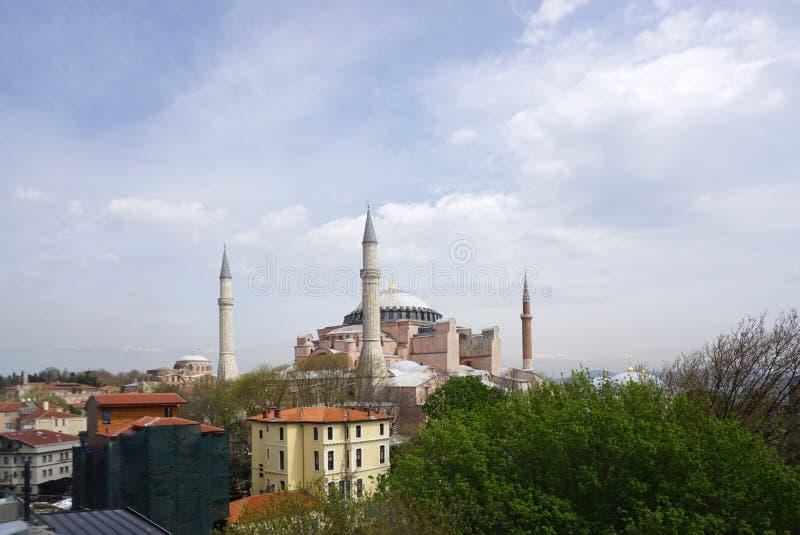 Panoramautsikt av Istanbul den härliga gränsmärket Hagia Sophia royaltyfria foton