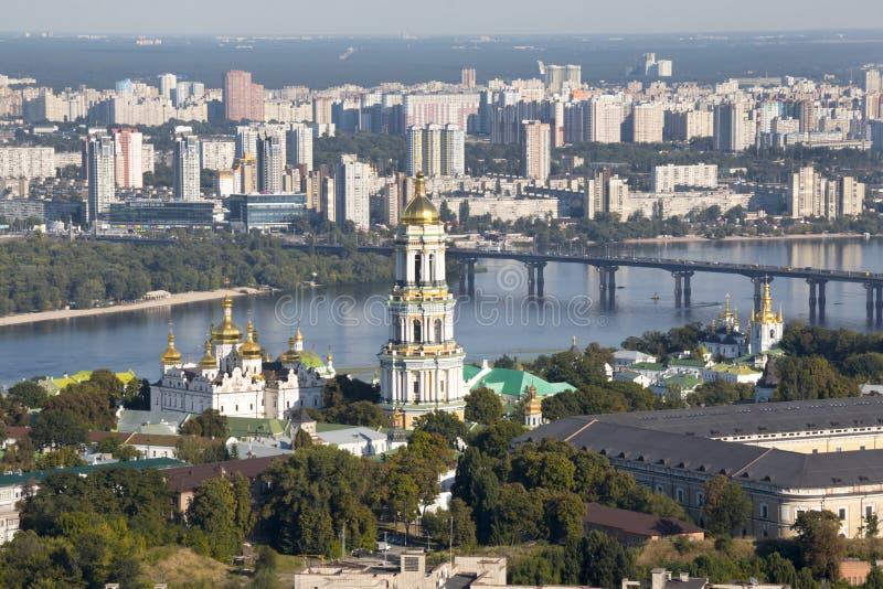 Panoramautsikt av Kiev Pechersk Lavra Orthodox Monastery i Kiev, Ukraina royaltyfria bilder