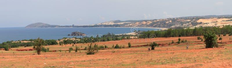 Panoramautsikt av kusten av Mui Ne, Bình Thuáºn landskap, Vietnam arkivbilder