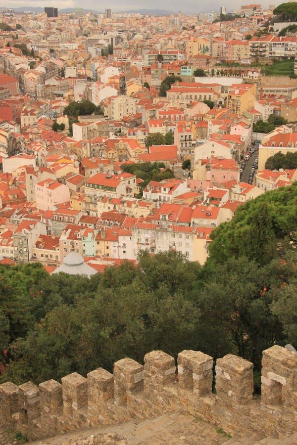 Download Panoramautsikt av Lissabon fotografering för bildbyråer. Bild av gata - 37347961
