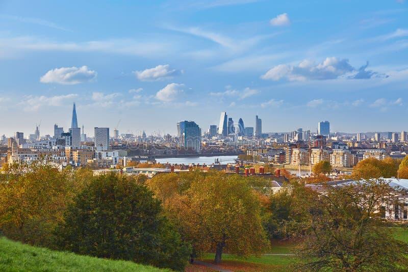 Panoramautsikt av London cityscape som ses från Greenwich arkivbild