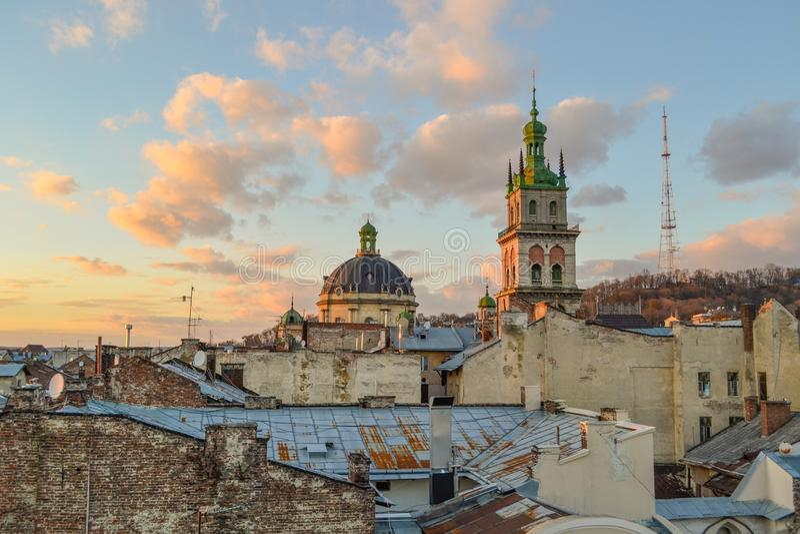 Panoramautsikt av Lviv fotografering för bildbyråer