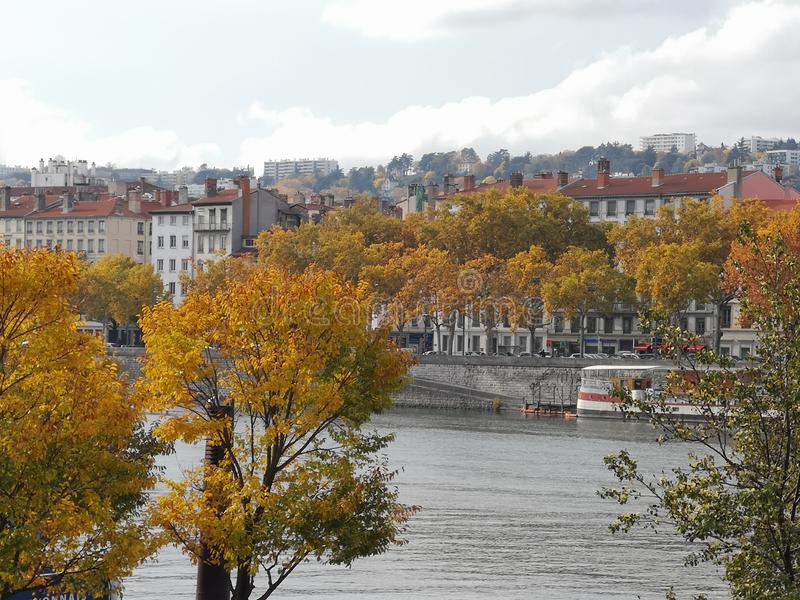 Panoramautsikt av Lyon, höst, Frankrike fotografering för bildbyråer