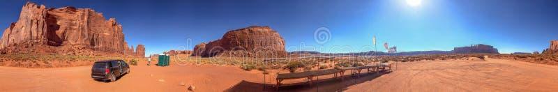 Panoramautsikt av monumentdallandskapet, Utah arkivbilder