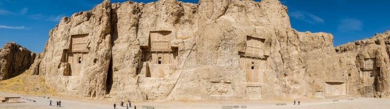 Panoramautsikt av Naqshen-e Rustam, Iran arkivbilder