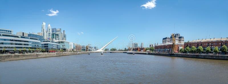 Panoramautsikt av Puerto Madero - Buenos Aires, Argentina arkivfoton