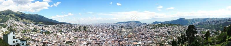 Panoramautsikt av Quito Ecuador royaltyfri foto