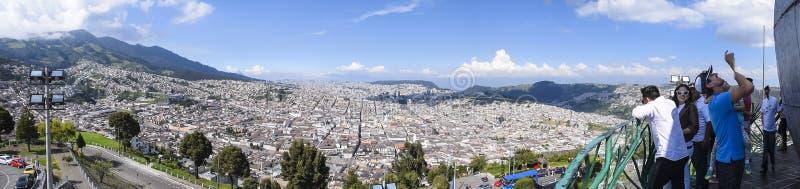 Panoramautsikt av Quitostaden, Ecuador royaltyfria bilder