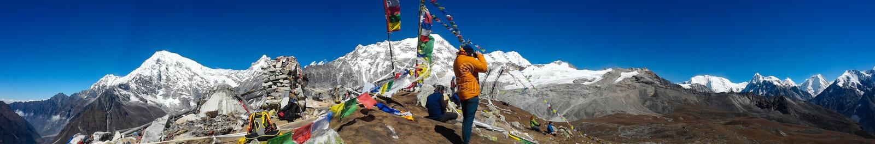 Panoramautsikt av shisapagmaen från den Tsergo rien, Langtang, Nepal fotografering för bildbyråer