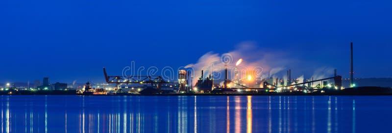 Panoramautsikt av stålväxten, Hamilton, Ontario, Kanada royaltyfri foto
