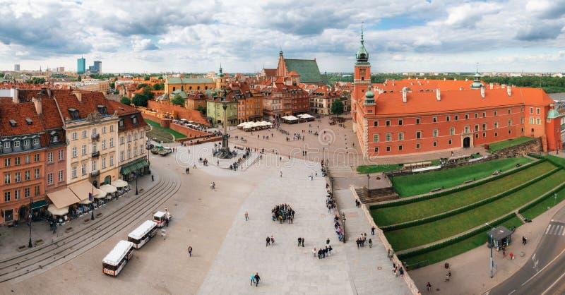 Panoramautsikt av stirrandet Miasto i den gamla staden för Warszawa, Polen royaltyfri fotografi