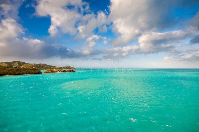 Panoramautsikt av vattnet i St John ` s, Antigua och Barbuda royaltyfri fotografi
