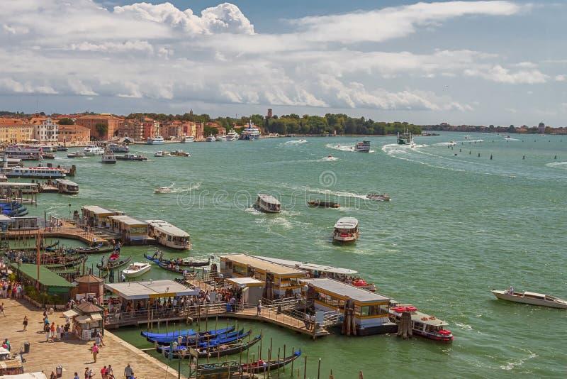 Panoramautsikt av Venedig från höjden av kryssningskeppet royaltyfri bild