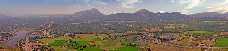 Panoramautsikt från det Gingee fortet, Thiruvannamalai i Tamil Nadu Indien arkivfoton