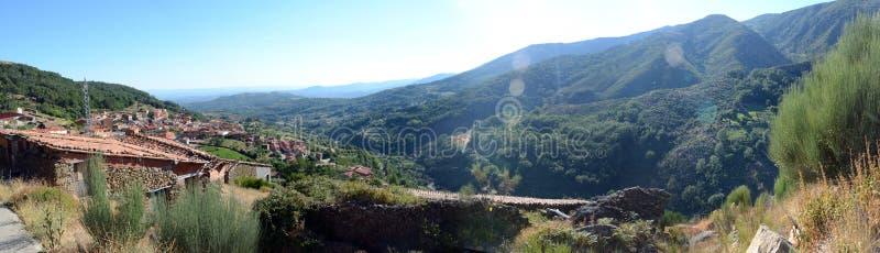Panoramautsikt från Guijo de Santa Barbara Spain arkivbilder