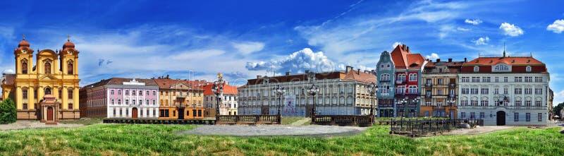 Panoramautsikt med historiska byggnader i unionfyrkant fyrkantig timisoaraunion för 02 romania royaltyfri fotografi
