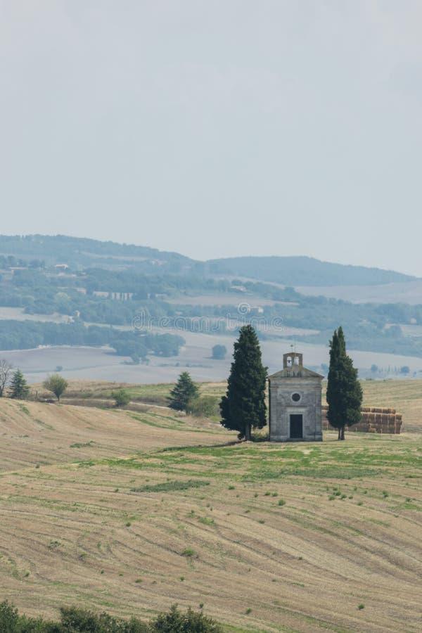 Panoramautsikt på den Cappella dellaen Madonna di Vitaleta i San arkivbilder