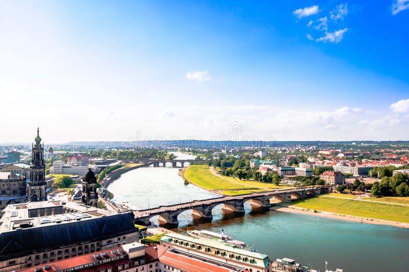 Panoramautsikt på Dresden från överkant av kyrkliga Frauenkirche arkivfoton