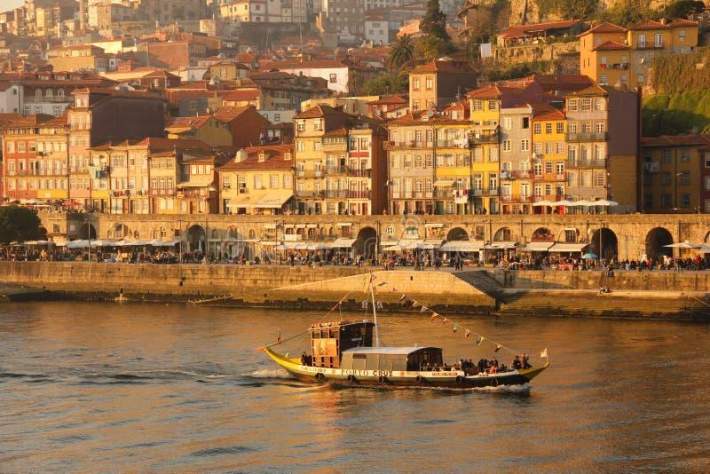 Panoramautsikt på solnedgången. Porto. Portugal fotografering för bildbyråer