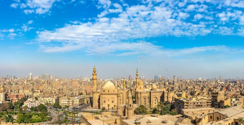 Panoramautsikt på Sultan Hassan Mosque royaltyfri foto