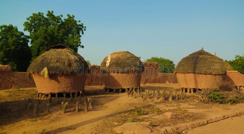 Panoramautsikt till den Bkonni byn av Hausafolk, Tahoua, Niger royaltyfria bilder
