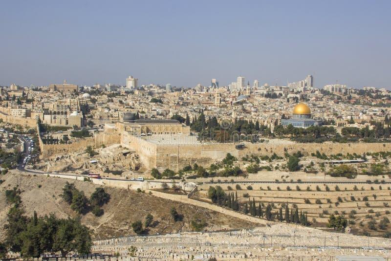 Panoramautsikt till Jerusalem den gamla staden royaltyfria bilder