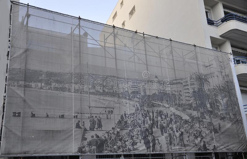 Panoramautsiktbild av den gamla Promenade des Anglais boulevarden i Metropola Nice royaltyfria foton