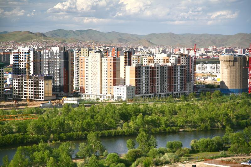 Panoramautsikten av den hela staden av Ulaanbaatar, Mongoliet arkivfoto