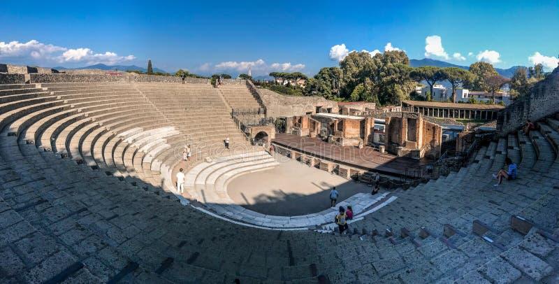 Panoramautsikten av Herculaneum forntida roman fördärvar fotografering för bildbyråer