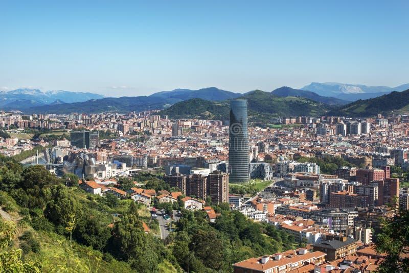 Panoramautsikter av den Bilbao staden, Bizkaia, baskiskt land, Spanien. royaltyfria bilder