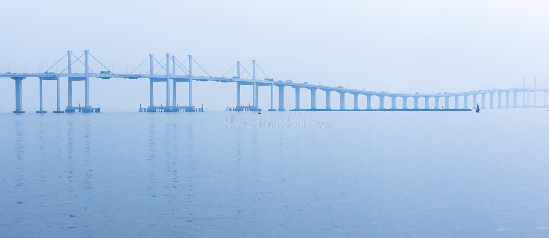 PanoramautsiktHong Kong-Zhuhai Macao bro på soluppgång arkivbild