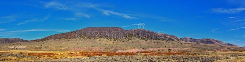 Panoramavy över berg, öken och landskap kring Price Canyon Utah från motorväg 6 och 191, av Manti La Sal National Fo arkivfoto