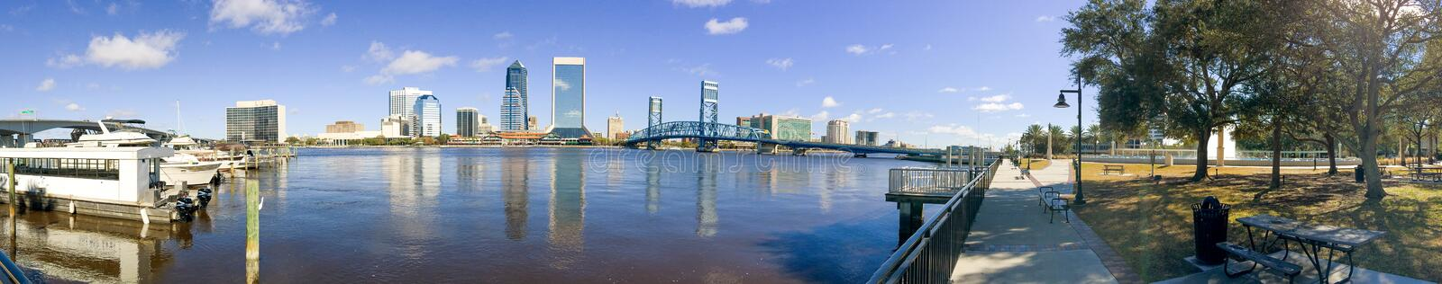 Panoramic view of city skyline with tourists, Jacksonville royalty free stock photos