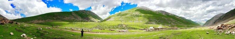 Panoramic view of Lulusar Dudipatsar Mountains stock photography
