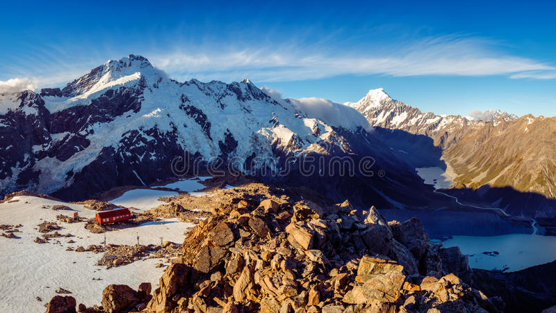 Panoramic view of Mt Cook mountain range with Mueller hut, NZ royalty free stock photos