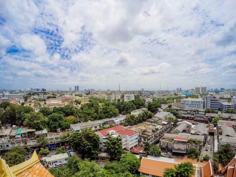 Panoramica Bangkok, Tailandia, paesaggio urbano con cielo aperto immagine stock libera da diritti
