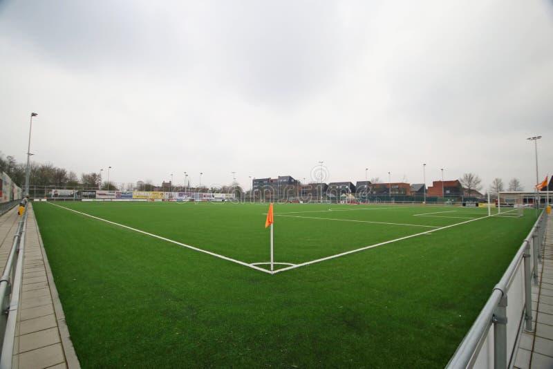 Panoramica grandangolare di un campo di calcio nei Paesi Bassi immagine stock