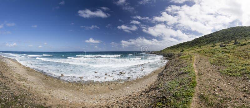 Panoramico di Saint Martin, Sint Maarten: Spiagge caraibiche fotografie stock libere da diritti