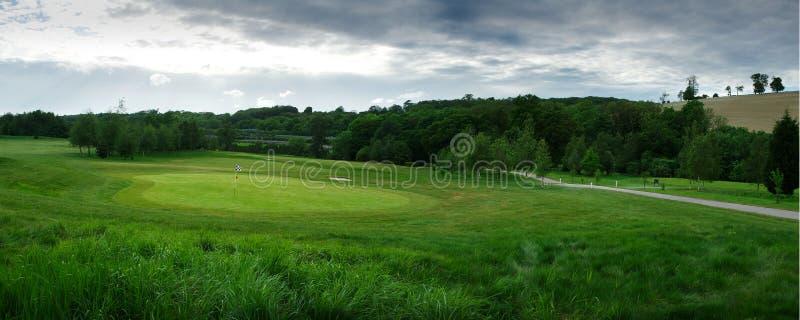 Panoramiczna pole golfowe zieleń i luksusowa trawa, fotografia royalty free