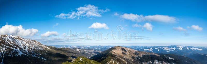 Panoramiczna sceneria góry i doliny obrazy stock