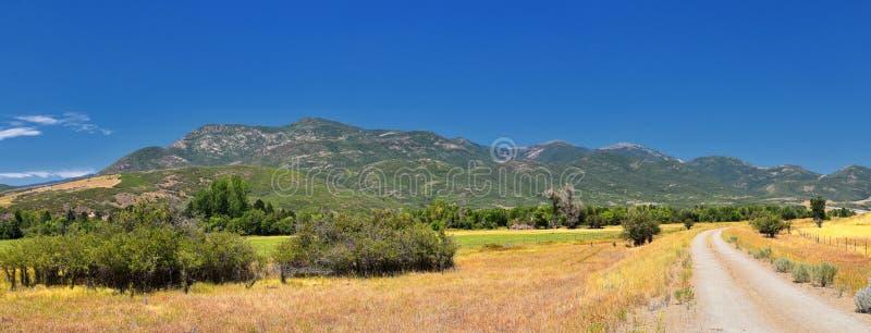 Panoramiczny Krajobrazowy widok od Heber, Utah okręg administracyjny, widok zadek góra Timpanogos blisko Deer Creek rezerwuaru w  obraz royalty free