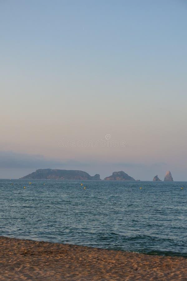 Panoramiczny Medes wyspy w morzu śródziemnomorskim, costar obraz stock