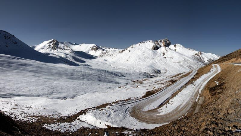 Panoramiczny przełęcz w Sichuan, Tybetańskie Himalajskie góry w Chiny, fotografia royalty free