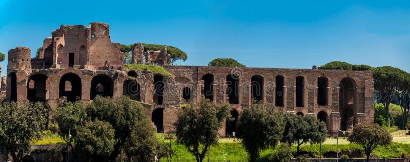 Panoramiczny widok świątynia Apollo Palatinus na palatynu wzgórzu antyczny Rzym Maximus i cyrk fotografia stock