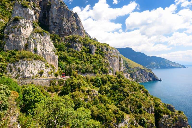 Panoramiczny widok Amalfi wybrzeże w Włochy zdjęcie stock